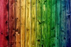 Valentine en bois colorée de fond de fleur de coeur de table colorée de vert bleu de ciel bleu de barrière Photographie stock libre de droits