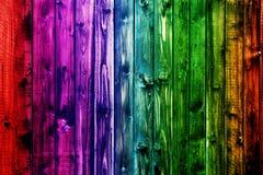Valentine en bois colorée de fond de tache floue de fleur de coeur de table colorée de vert bleu de ciel bleu de table de barrièr Images stock