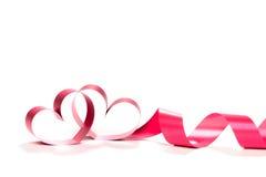 Valentine Heart Ruban rouge élégant de cadeau de satin Images stock