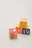 Valentine& x27 ; jour de s Amour écrit avec les blocs colorés d'alphabet Photographie stock libre de droits