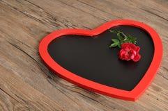 Valentine& x27 ; jour de s Un tableau noir de forme de coeur Photos libres de droits