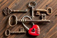 Valentine keys and padlock heart Stock Photography