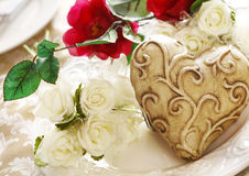 Valentine Place Setting With Bouquet Roses Royalty Free Stock Images