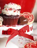 Valentine Red Velvet Chocolate Cupcake Photos stock