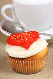 Valentine's day cupcake and cappuccino Royalty Free Stock Images