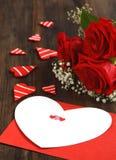Valentiner card och buketten av ro Royaltyfri Bild