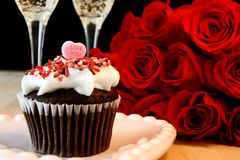 Valentines cake and red roses Stock Image