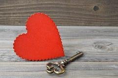 Valentines coeur et clé Photographie stock