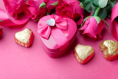 Valentines Day gift box with Pink roses and candy Royalty Free Stock Photos