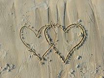 Valentines dessinées sur Sandy Beach Photographie stock libre de droits