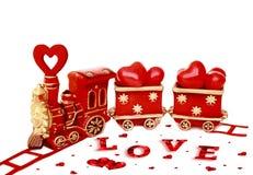 Valentines sur le fond blanc, vieux train rouge du ` s de Valentine Images stock
