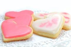 Valentinkakor i forma av hjärta fotografering för bildbyråer