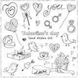 Valentinklotteruppsättning med hjärtor, blommor, gåvor, candus och fåglar royaltyfri illustrationer