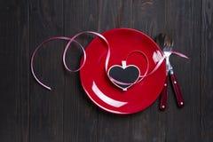 Valentinsgruß ` s Tagesherz auf einer Platte Lizenzfreie Stockfotografie