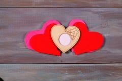 Valentinsgruß ` s Tageshintergrund mit Herzen und mit Fotos Lizenzfreies Stockbild