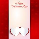 Valentinsgruß-Tag - zwei Rot-Herz-Papier-Aufkleber mit Schatten auf Rot Stockbilder