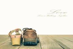 Valentinsgruß-Tages-oder Liebe und Romantik-Konzept-Hintergrund in der Weinlese-Art Stockfotografie