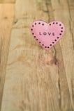 Valentinsgruß-Tagesherz mit Aufschrift Lizenzfreies Stockfoto