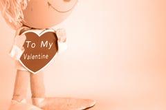 Valentinsgruß-Tagespuppe mit dem Herzen, das zu meinem Valentinsgruß sagt Lizenzfreies Stockfoto