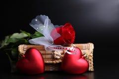 Valentinsgrußgeschenkset Stockfotos