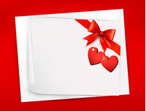 Valentinsgrußhintergrund mit rotem Geschenkbogen Lizenzfreies Stockfoto