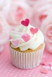 Valentinsgrußkleiner kuchen Stockfotografie