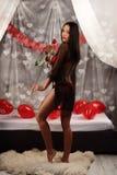 Valentinsgrußschönheitsmädchen mit baloon in ihren Händen Stockbilder
