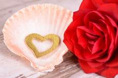Valentinsgrußtag im Romance mit Rosafarbenem und Herzen Lizenzfreie Stockfotografie