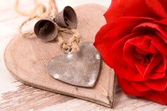Valentinsgrußtag im Romance mit Rosafarbenem und Herzen Lizenzfreie Stockbilder
