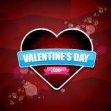 Valentinsgrußtagesherzformverkaufsaufkleber oder -aufkleber auf abstraktem rotem Hintergrund mit Unschärfe beleuchtet Vektorverka Stockbilder
