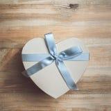 Valentinsgrußtageshintergrund mit Inneren Lizenzfreie Stockfotos
