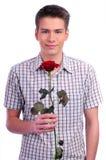 Valentinsgrußtagesmann, der rotes Inneres anhält Lizenzfreie Stockfotos