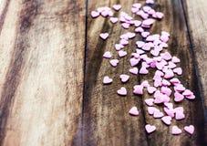 Valentinsgruß-Tageshintergrund mit Herzen. Liebeskonzept, Sugar Heart Stockfotografie