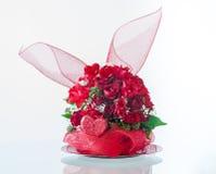 Valentinstag-Blumen-Anordnung Stockbilder