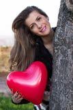 Valentinstag-Liebe, Frau mit Herzen Stockfotos