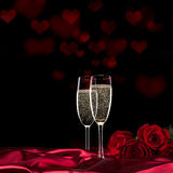 Valentinstag mit Champagner und Rosen Stockbild