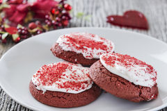 Valentinstag-rote Samtplätzchen Stockfoto