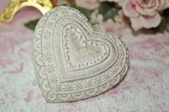 Valentinstag - Valentinsgrußsymbol, -herz und -blumen Lizenzfreies Stockbild