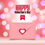 Valentinstagillustration, rosa Umschlag lokalisiert auf rosa bokeh Hintergrund, Grußkarte Lizenzfreie Stockbilder