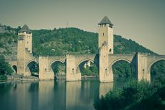 Valentre most w Cahors miasteczku, Francja Obrazy Stock
