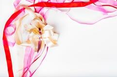 Valetine-` s Tag, Mutter ` s Tag, Geburtstagskonzept - buntes Band Lizenzfreies Stockfoto