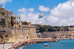 valetta malta Выдра 9H-AFA турбины De Havilland Канады DHC-3 гидросамолета воздуха гавани посадка воды в большой гавани стоковые фотографии rf