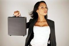 Valigia della holding della donna di affari Immagini Stock Libere da Diritti