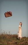 valigia di caduta fotografia stock libera da diritti