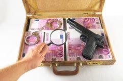 Valigia in pieno delle banconote Immagini Stock