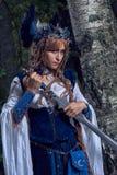 Valkyrie warrioress στο κοστούμι κισσών στοκ εικόνες