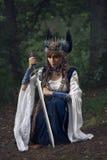 Valkyrie warrioress στο κοστούμι κισσών στοκ φωτογραφία
