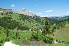 Vallée alpestre photos libres de droits