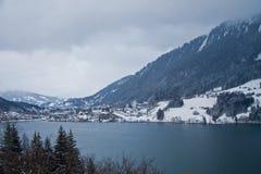 Vallée alpestre Photographie stock