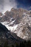 Vallée blanche sur Bucegi images libres de droits